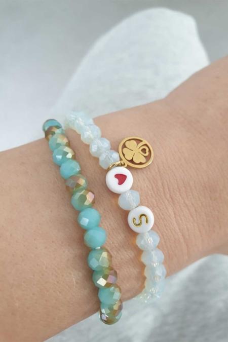 Perlenarmband türkis